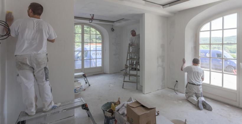 Wykańczanie wnętrz i remont z profesjonalną ekipą budowlano-remontową