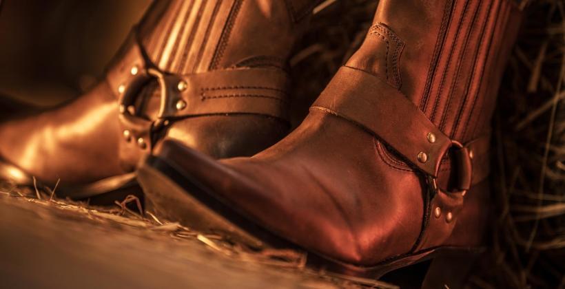 Sztyblety, kowbojki i interesujące akcesoria do specjalnego obuwia