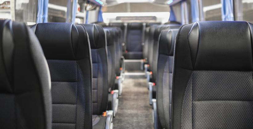 Komfortowa podróż, czyli w co wyposażony jest nowoczesny autokar