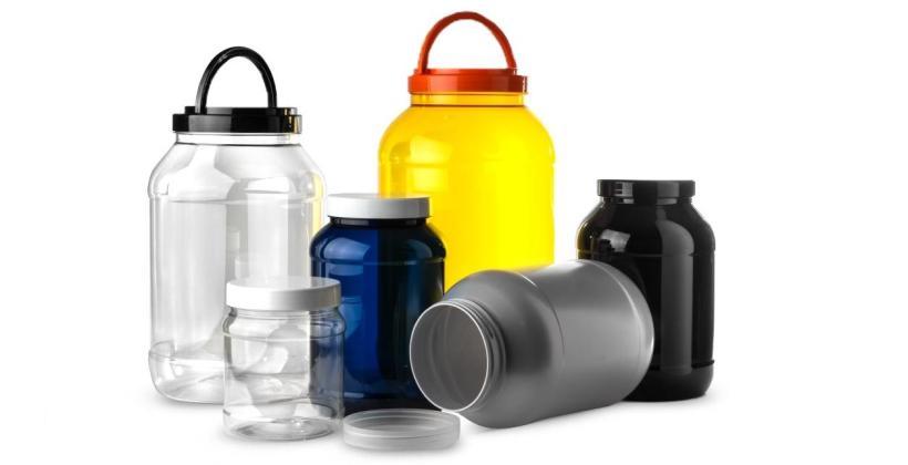 Butelki PET – cenny surowiec czy szkodliwy odpad?