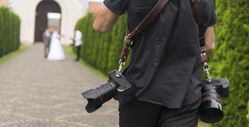 Kilka praktycznych porad jak znaleźć dobrego fotografa ślubnego