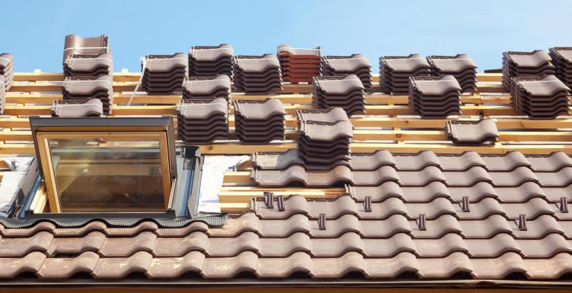 Montaż pokrycia dachowego krok po kroku