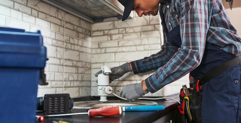 Sprawne działanie instalacji kanalizacyjnych w domu