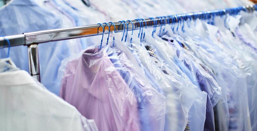 Kiedy warto skorzystać z profesjonalnej pralni?