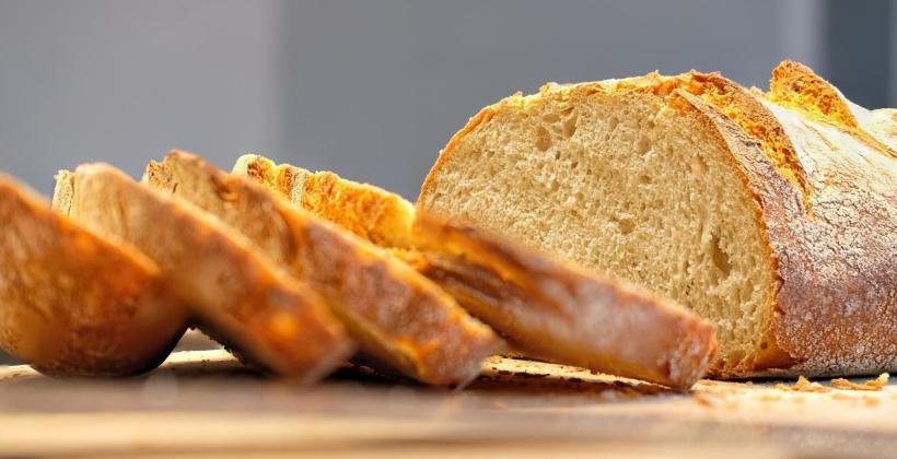 Jakie rodzaje pieczywa znajdziesz w piekarni?