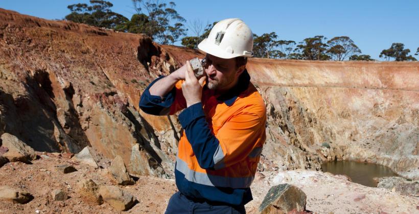 Badania geotechniczne na budowie – Twoja inwestycja na pewnym gruncie