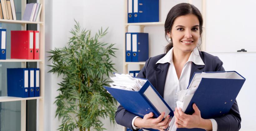 Własna księgowa czy outsourcing?