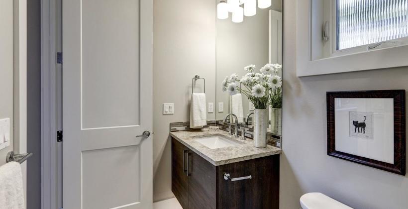 Akcesoria niezbędne w każdej łazience