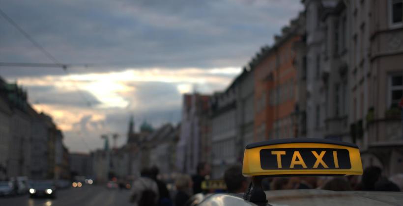 Jakie dodatkowe usługi świadczą taksówkarze?