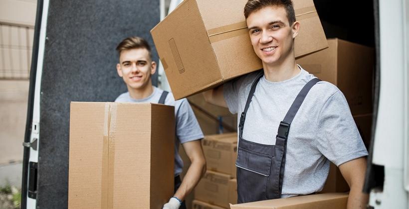Pudełka kartonowe podstawowym elementem wyposażenia przy przeprowadzkach