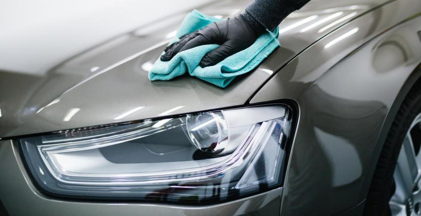 Kosmetyka samochodowa: jak umyć swoje auto?