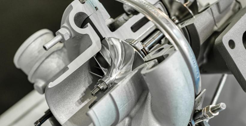 Jak rozpoznać, że turbosprężarka wymaga naprawy?
