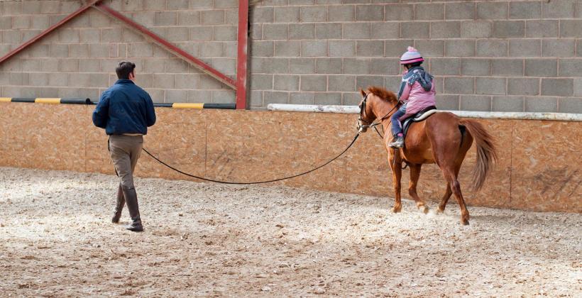 Jak przygotować się do pierwszej jazdy konnej?