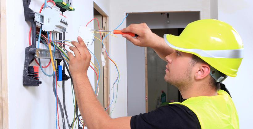 Prawidłowo instalacja elektryczna to komfort życia domowników.