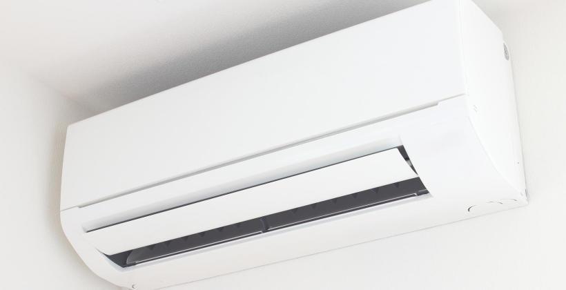 Czym kierować się przy wyborze klimatyzatora do mieszkania?
