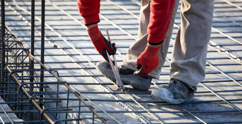 Budowa domu jednorodzinnego – kluczowa kwestia betonu