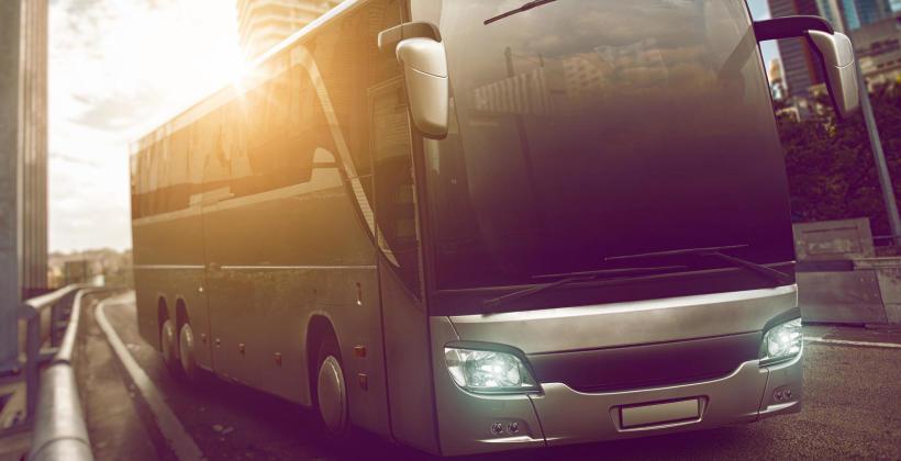 Wynajem transportu - autokar czy bus