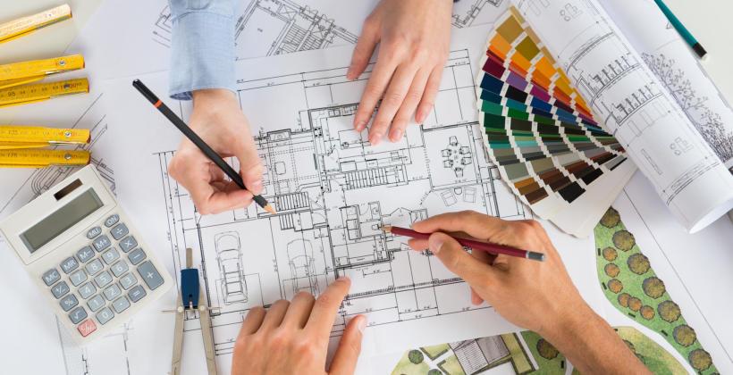 Projekty, adaptacje i nie tylko – czym dokładnie zajmuje się architekt?