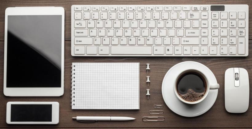 5 zasad, jak zadbać o porządek na biurku?