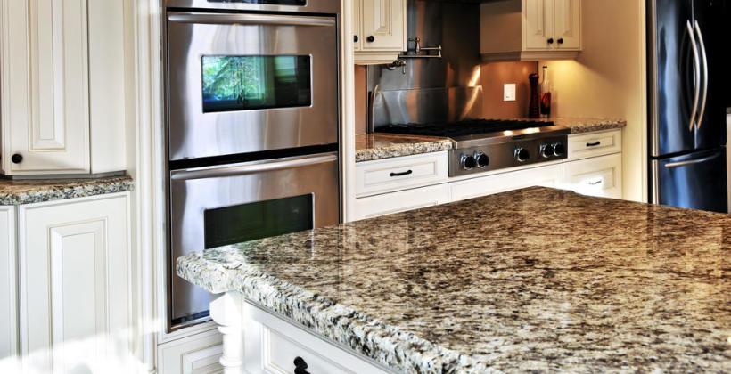 Jak wykorzystać kamień naturalny we wnętrzach?