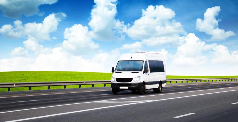 Przewóz osób. Adaptacja busów i bezpieczeństwo na trasie