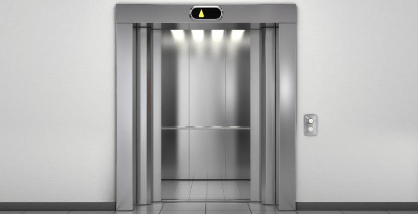 W jakich miejscach montaż windy lub schodów ruchomych może okazać się niezbędny?