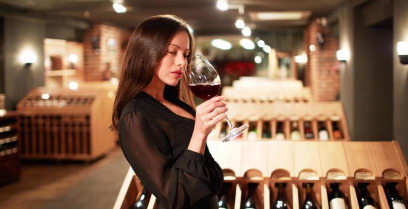Jakie wino wybrać do kolacji – krótki poradnik