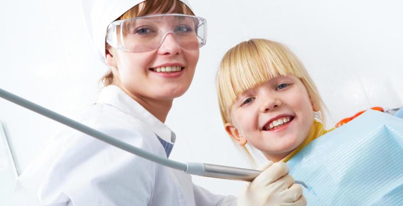 Pierwszy raz z dzieckiem u dentysty