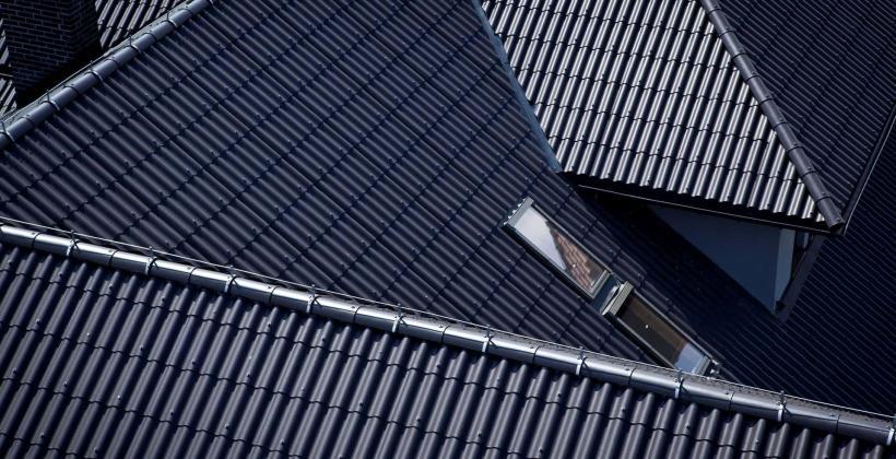 Jak wybrać dobrego dekarza i solidny dach?