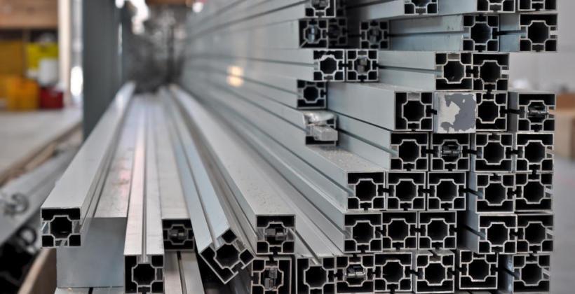 Zalety stosowania wyrobów z aluminium
