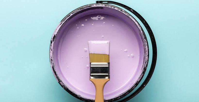 Planujesz prace malarskie w swoim domu - sprawdź jak dobrać odpowiednią farbę