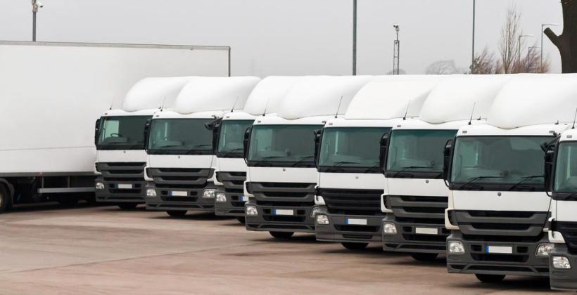 Jak wybrać odpowiednią firmę transportową?
