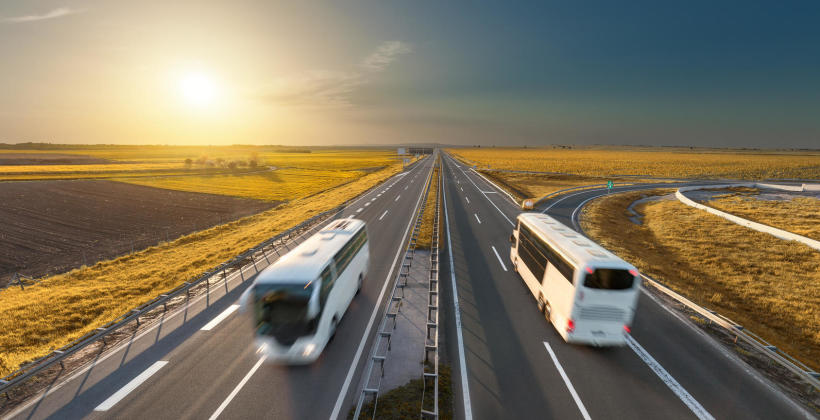 Niezbędne elementy wyposażenia autobusów. Co mówią przepisy?
