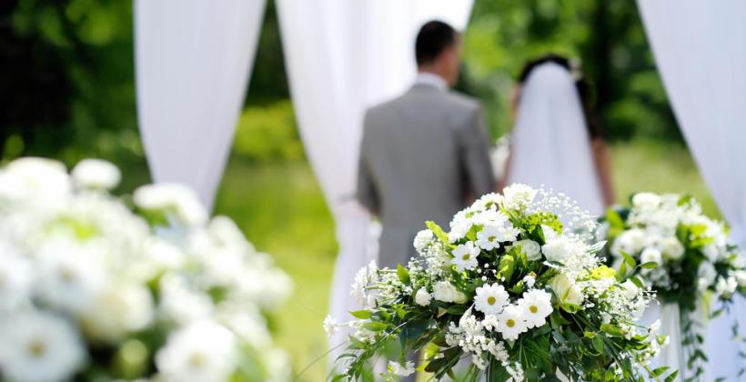 Kiedy w uroczystości ślubu uczestniczy tłumacz?