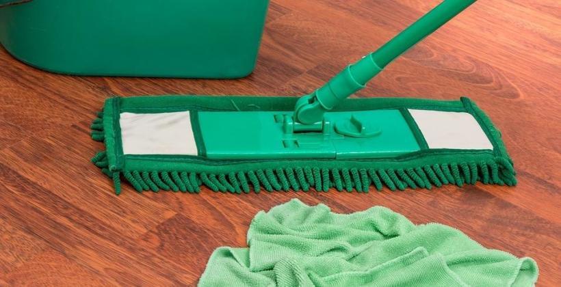 Sprzątanie biur – co oferują profesjonalne firmy sprzątające