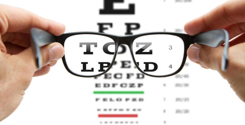 Jak dobrać oprawki okularów korekcyjnych?