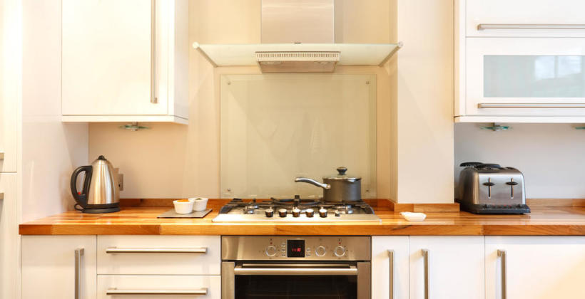 Dlaczego warto wybrać drewniany blat do kuchni?