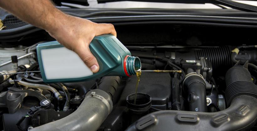 Jak często należy wymieniać olej silnikowy?