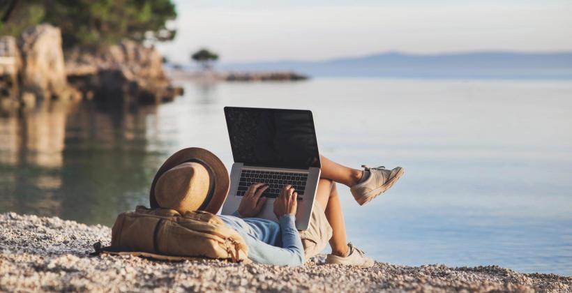 Jak chronić laptop w czasie podróży?