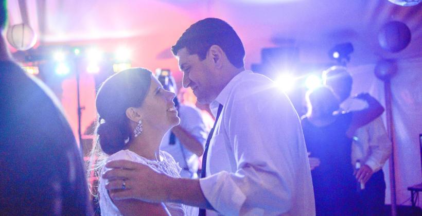 Jak wybrać zespół weselny, aby zapewnić dobrą zabawę?