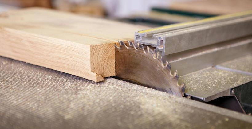Maszyny stolarskie w obróbce drewna