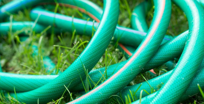 Jak wybrać dobry wąż ogrodowy?