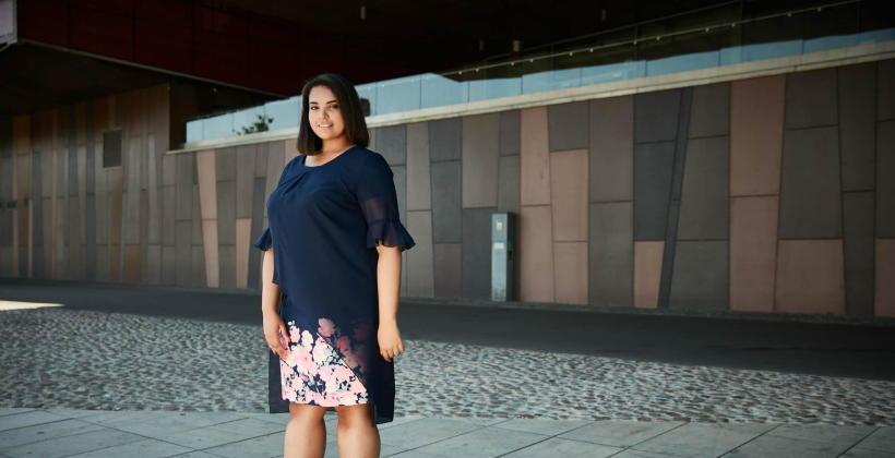 Jakie wzory i kolory mogą nosić puszyste kobiety?