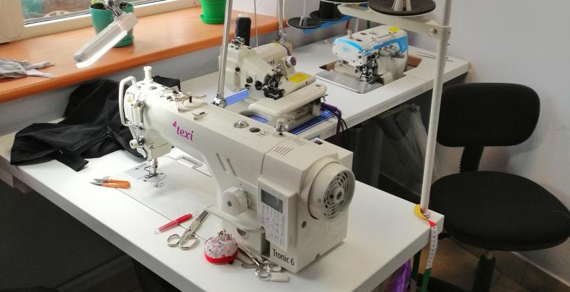 Wybór idealnej tkaniny na garnitur