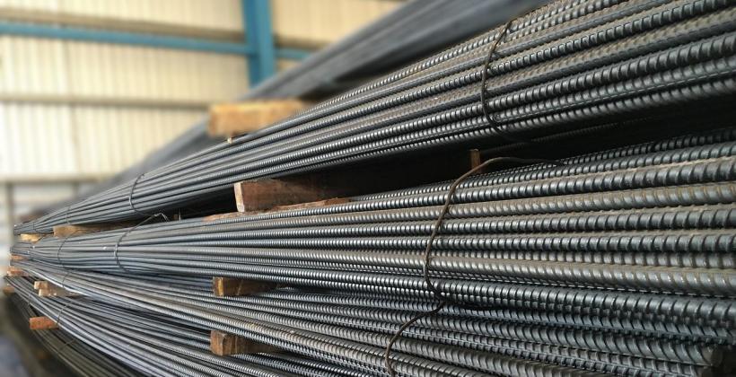 Na czym polega proces zabezpieczania antykorozyjnego konstrukcji stalowych