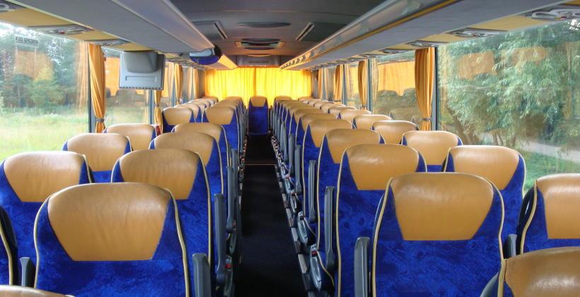 Czy warto korzystać z usług transportowych?