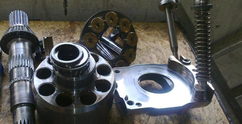 Usługi w zakresie remontu elementów hydrauliki siłowej maszyn