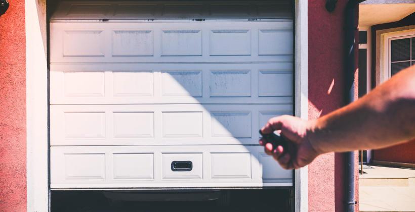 Profesjonalna brama najlepszym zabezpieczeniem garażu