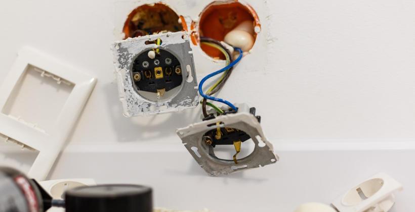 Czym są instalacje elektryczne oraz sposób ich montażu.