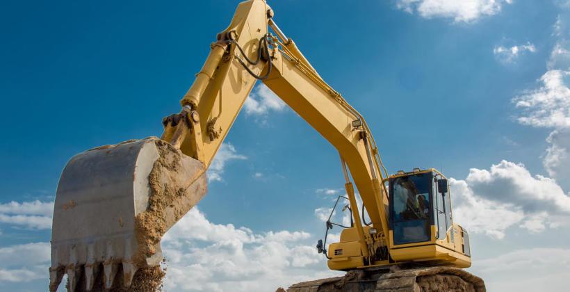 Jak wykonuje się wykopy pod fundamenty?